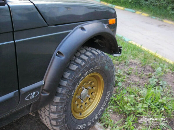 Расширители колесных арок Lada 4X4 5D (передний расширитель)