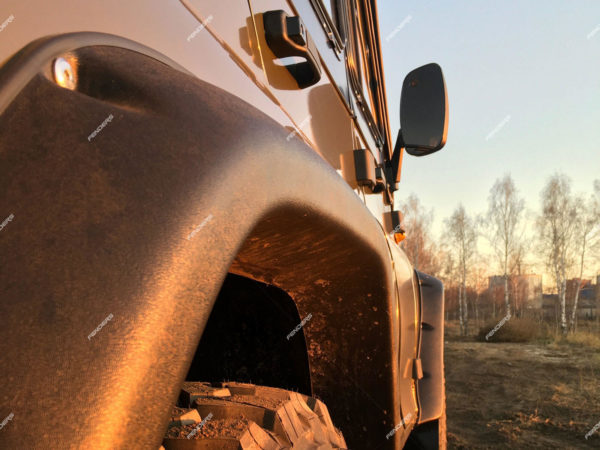 Силовые расширители арок UAZ Hunter под крылом